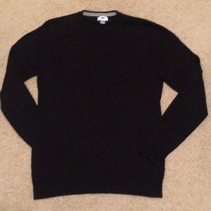 Men's EUC solid black sweater. Crewneck. Medium.